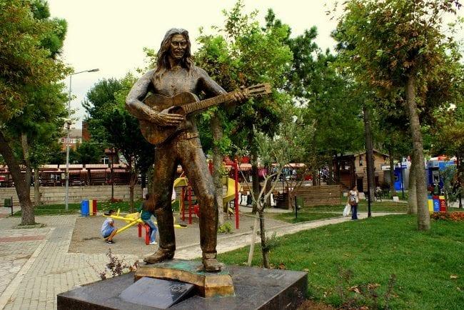 barış akarsu heykeli amasra