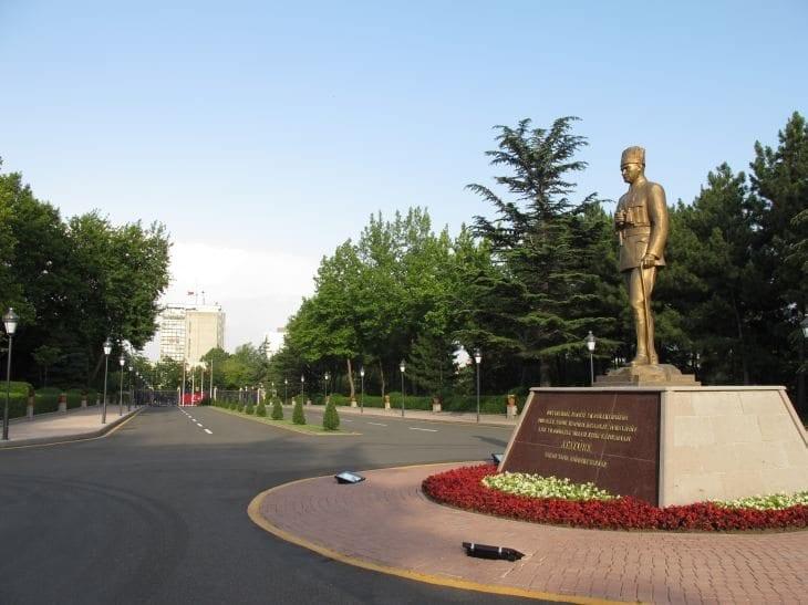 Mehmetçik Anıtı