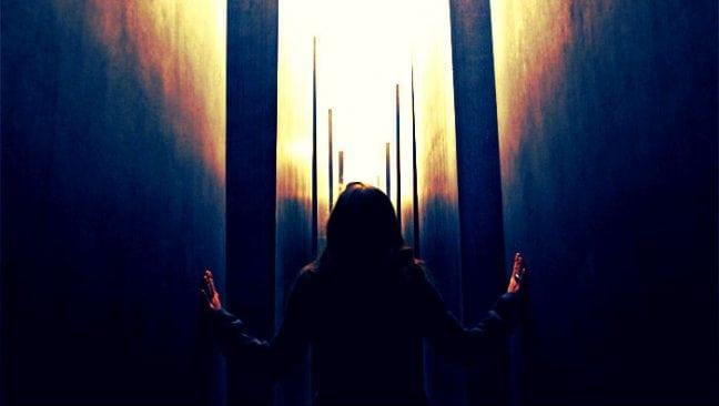 İnsan ilişkilerinin muamması: Kendimde bir başkasını kapsarım