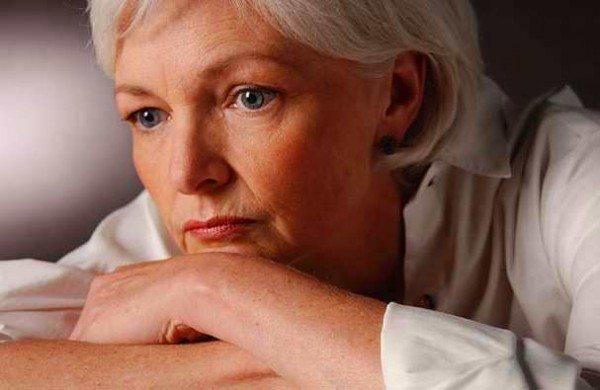 yaşlanma yaşlı babaanne anneanne menopoz