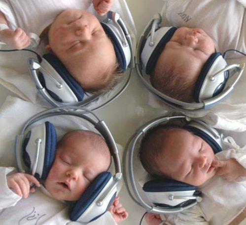 Bebeklerde ve çocuklarda Tomatis Metodu