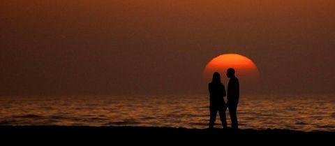 gün batımı olağan güneş çift ilişki sahil plaj deniz kum olağan