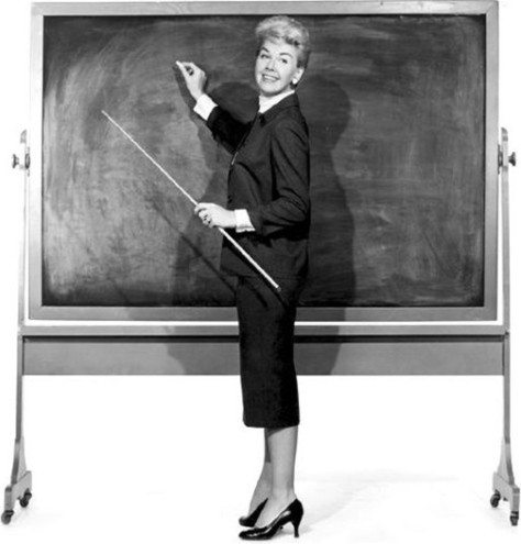 Eğrilterek eğitim mi eğiterek doğrultmak mı?