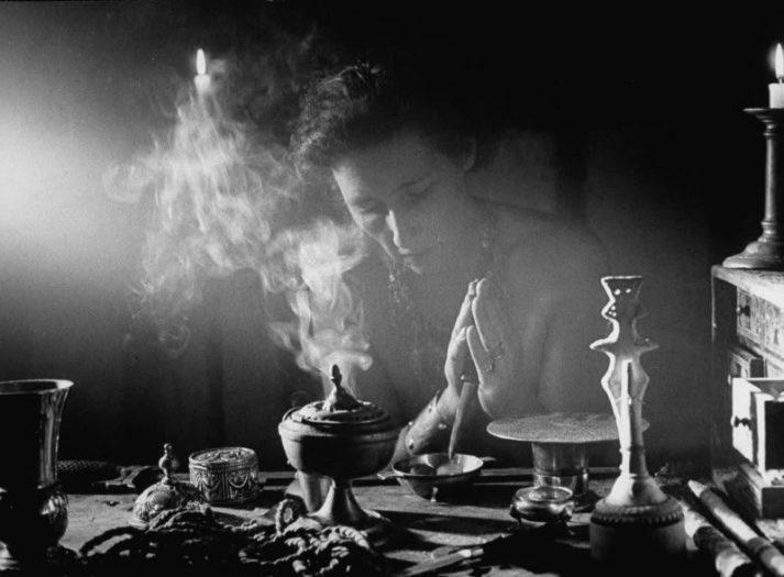 Kadim Geleneğin Mirasçıları: Cadılar ve Wiccanlar