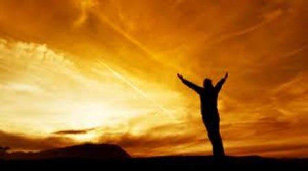 Ayağa kalkacak olan da yükselecek olan da sensin! Düşecek olan da sen!. Ahlanıp vahlanmayı bırak. Yapman gerekeni yap: Yeniden kalk ayağa!