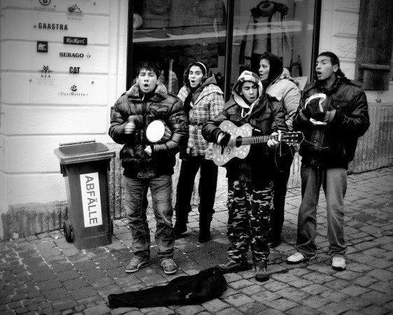 sokak şarkıcıları insan