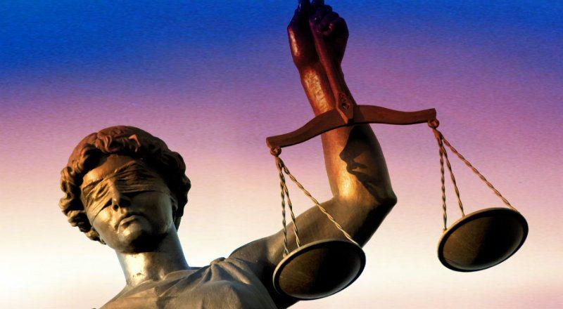 Adalet ve düşmanı olan yalan. Adalet insan ilişkilerinin her yerinde