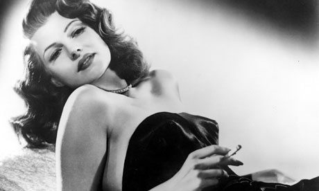 rita-hayworth-smoking-007
