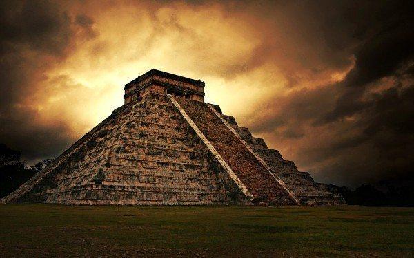 maya piramidi