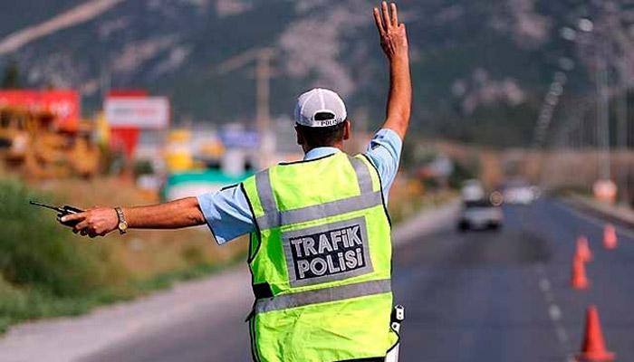 Trafik Polisi Alkol Kontrolü