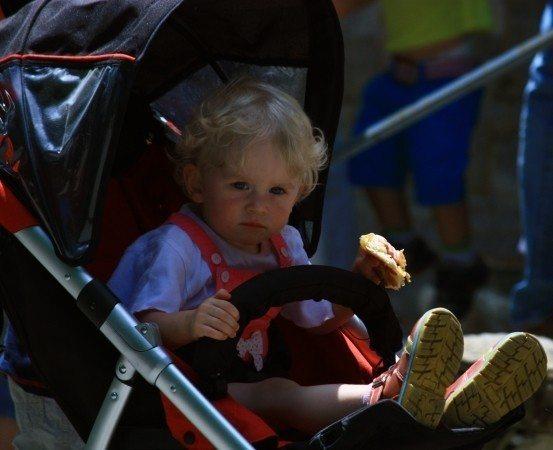 bebek arabası çocuk
