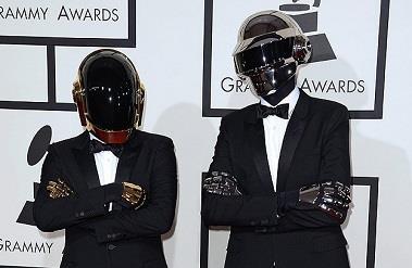 56-grammy-odulleri-sahiplerini-buldu-Daft Punk