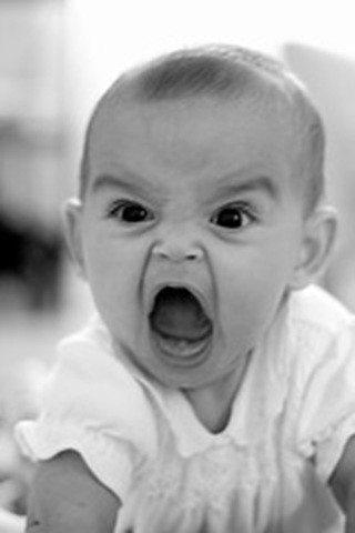 öfkeli bebek