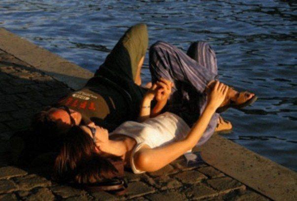Nedir ki bu sevgi: Başı ve sonu yoktur bu sevginin