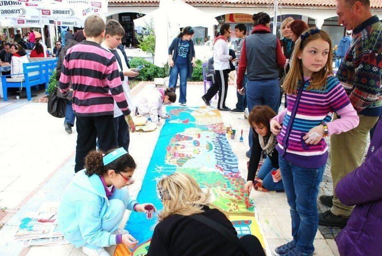 çocuklar ve alaçatı ot festivali