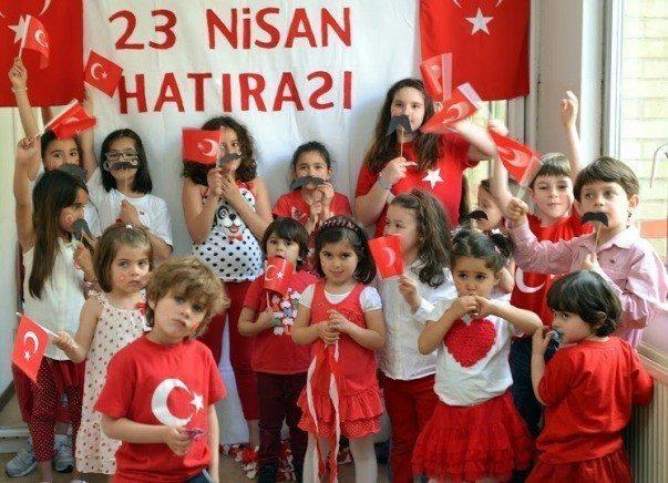 Çocuklar 23 nisan'ı kutladı