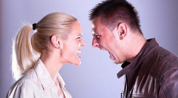 Tepki'nin duygu kaynağı öfkedir! Tavrın kaynağı ise öz saygı