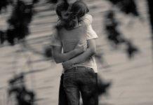 oysa kendinden başka eksiğin yok aşk