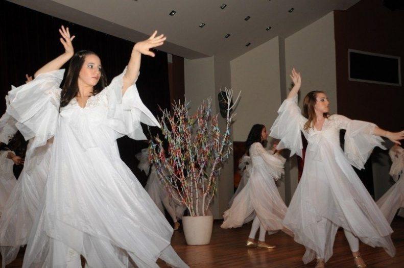 ogrencilerin-sessiz-dansi-seyircileri-buyuledi5b34bcbdb8ac097b2bb9