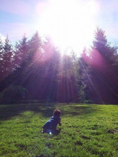 çocuktan yayılan ışık