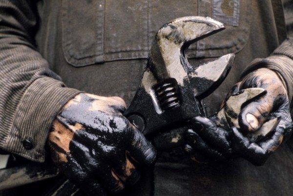 Cinnet-Fabrikalarında-Devrim-Üreten-Eller-indigodergisi