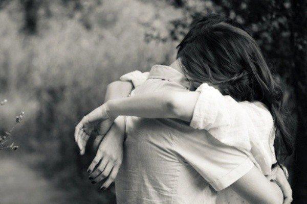 Sevgi, bir gönül terbiyesidir. Sevgi şeklin, sevgiyi nasıl yaşadığın, tüm koşullar içinde dahi sevgiyi yaşama halin, korkusuzca kalbinin aşkla atması yüksek bir bilinç halidir.