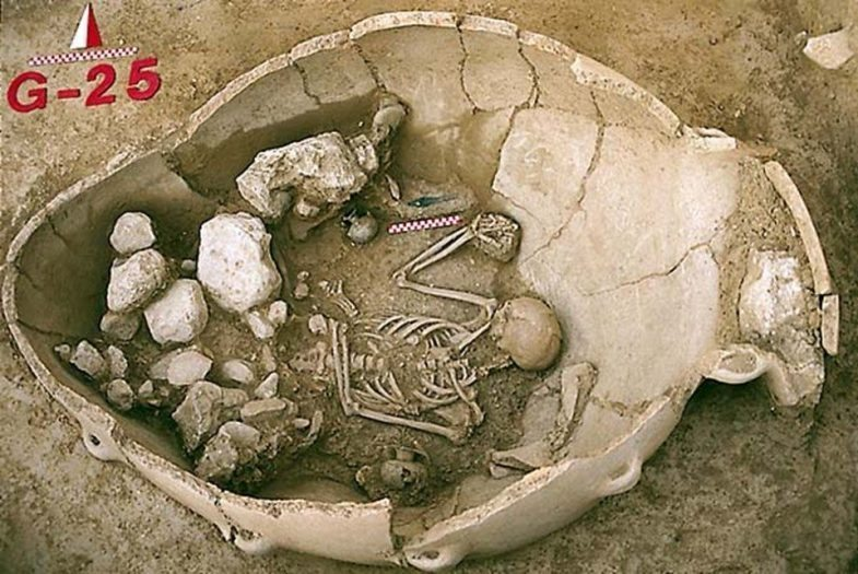 baklatepe kazısı minos dönemi kazısı pithos