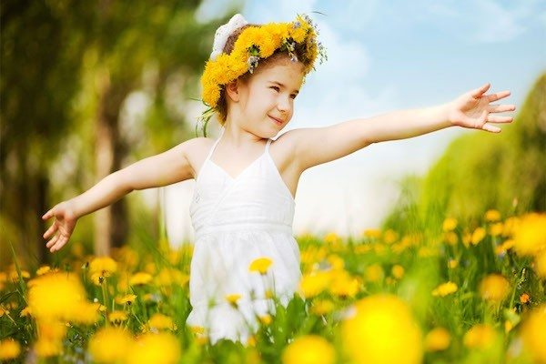 little-girl-flower-crown-wallpapers-1024x768