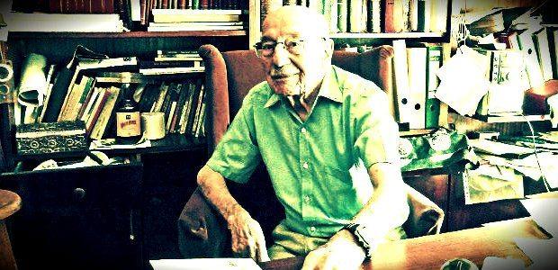 """1917 doğumlu,""""asırlık bir çınar"""" Cahit Kayra, yorulmadan üretmeye devam ediyor... Son eseri Marjinal Siyaset Teorileri kitapçılarda!"""