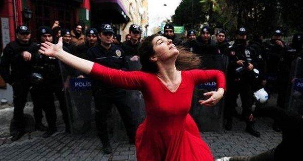 Dans İsyandır