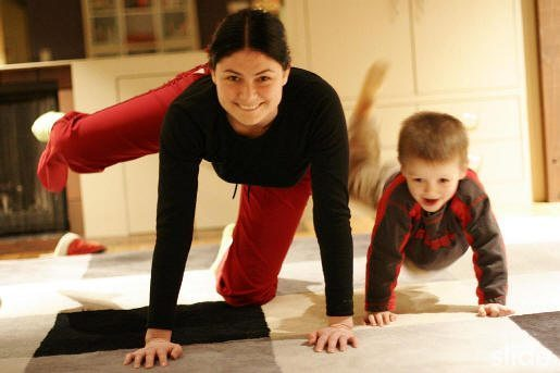 anne oğul erkek evlat yoga çocuk