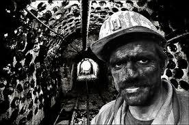 kariyerizm kurumsal kolelik kölelik kapitalizm çalışan işçi hakları