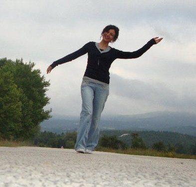 Zeynep İlhan türkü türk halk müziği sanatçısı