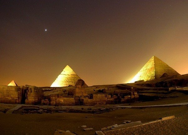 çölde gece geçirmek keopf kefren mikerinos piramit mısır
