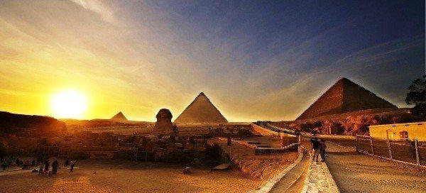 mısır piramitler çöl çölde akşam gün batımı