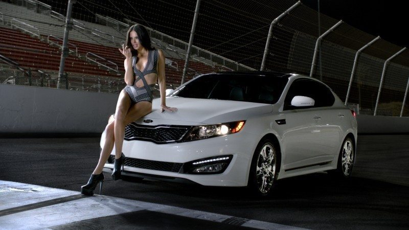 adriana lima reklam medya otomobil reklam beyaz araba medya