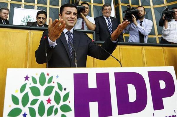 selahattin demirtaş hdp kürt oyları baraj seçim