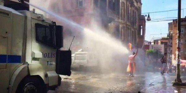 onur-Yürüyüşü-saldırı-29-Haziran-2015