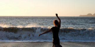 hareket deniz sahil kumsal kadın hareket