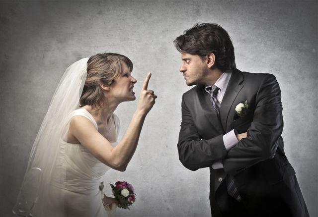 Erken evlilik değil, Andromeda kompleksi! Karşısına çıkan ilk erkeğin etkileyici sözleri ile içinde bulunduğu zorluklardan kurtulup...
