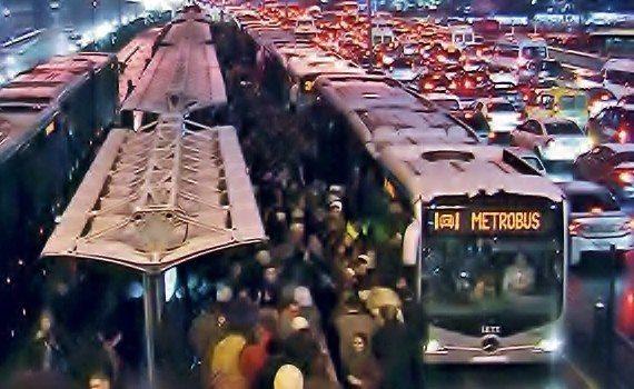 metrobüs metrobüslüler (4)