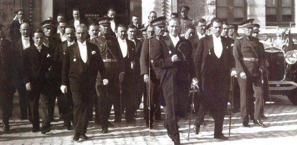 cumhurbaşkanı atatürk meclis cumhuriyet diktatör değildi