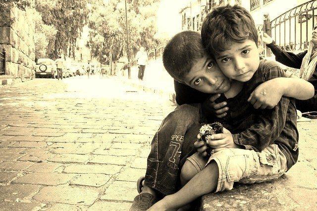 suriyeli çocuklar mülteciler göçmenler dilenciler
