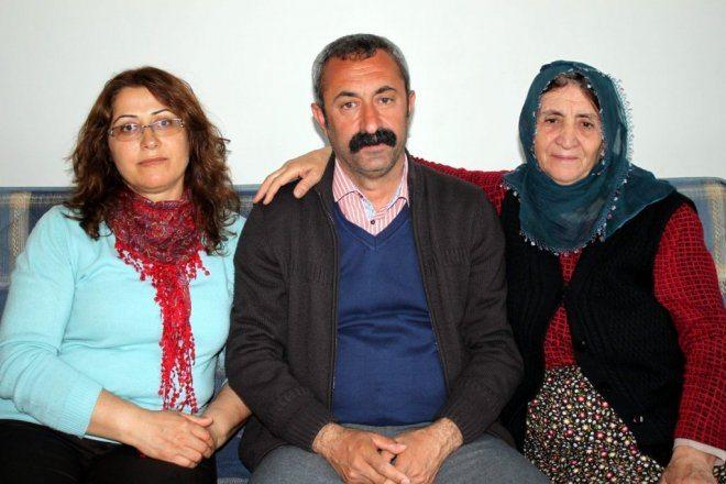 turkiyede-ilk-tkpli-belediye-baskani-IHA-20140406AW054337-2-t