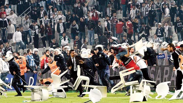 Holigan passolig taraftar futbol siyasi fişleme holiganizm kavga