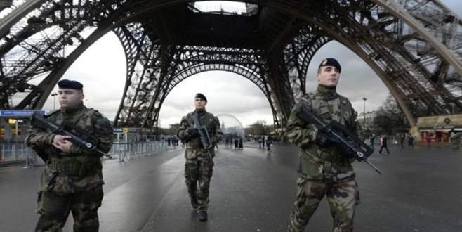 fransa eyfel kulesi eifel terör saldırısı sınırlar kapatıldı vize ülkeye giriş devlet