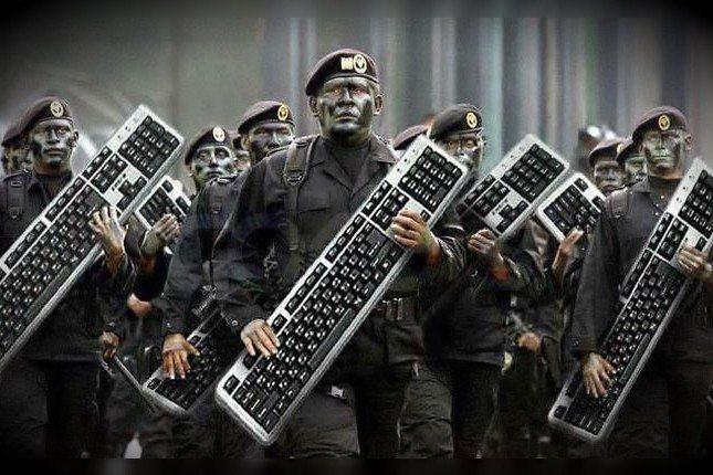 klavye delikanlısı rusya iphone starbucks savaş oyunu klavye delikanlisi