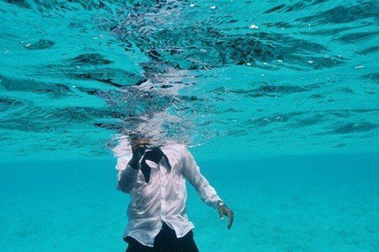 Uzmanlara göre küresel ısınma böyle devam ederse 1200 adadan oluşan Maldivler, 100 yıl içinde tamamen okyanusun altında kalabilir.