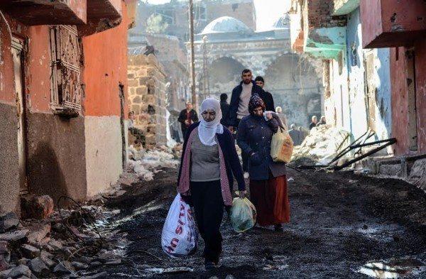 diyarbakır sokağa çıkma yasağı lice nusaybin sur cizre silopi sokaga cikma yasagi zorunlu göç devlet operasyon