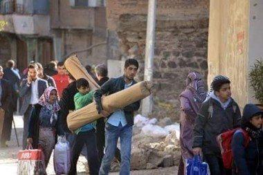 diyarbakır sokağa çıkma yasağı lice nusaybin sur cizre silopi sokaga cikma yasagi zorunlu göç çatışma pkk terör